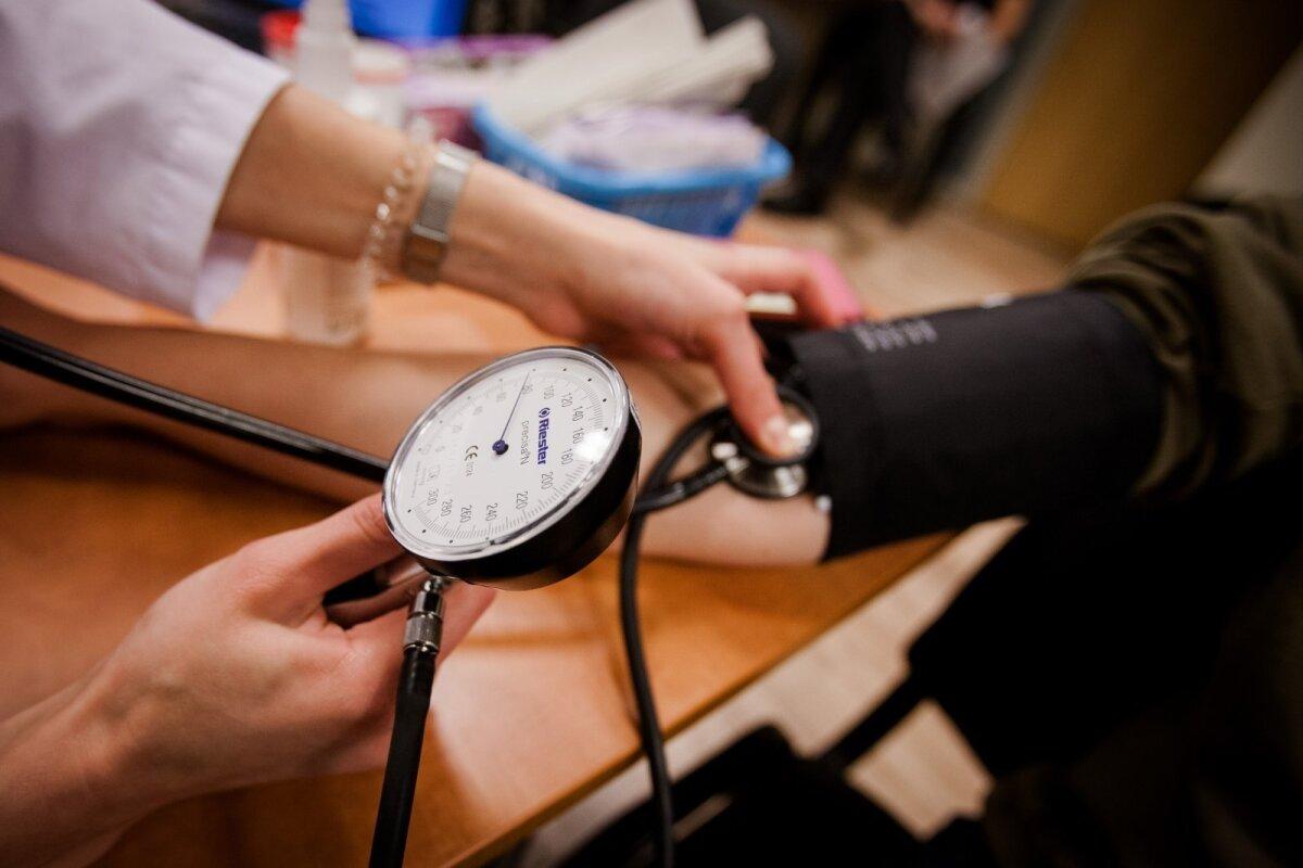 štangos hipertenzija)