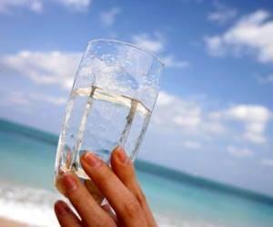 stiklinė vandens tuščiu skrandžiu sergant hipertenzija)