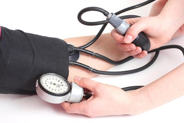 hipertenzija pirmasis simptomas)