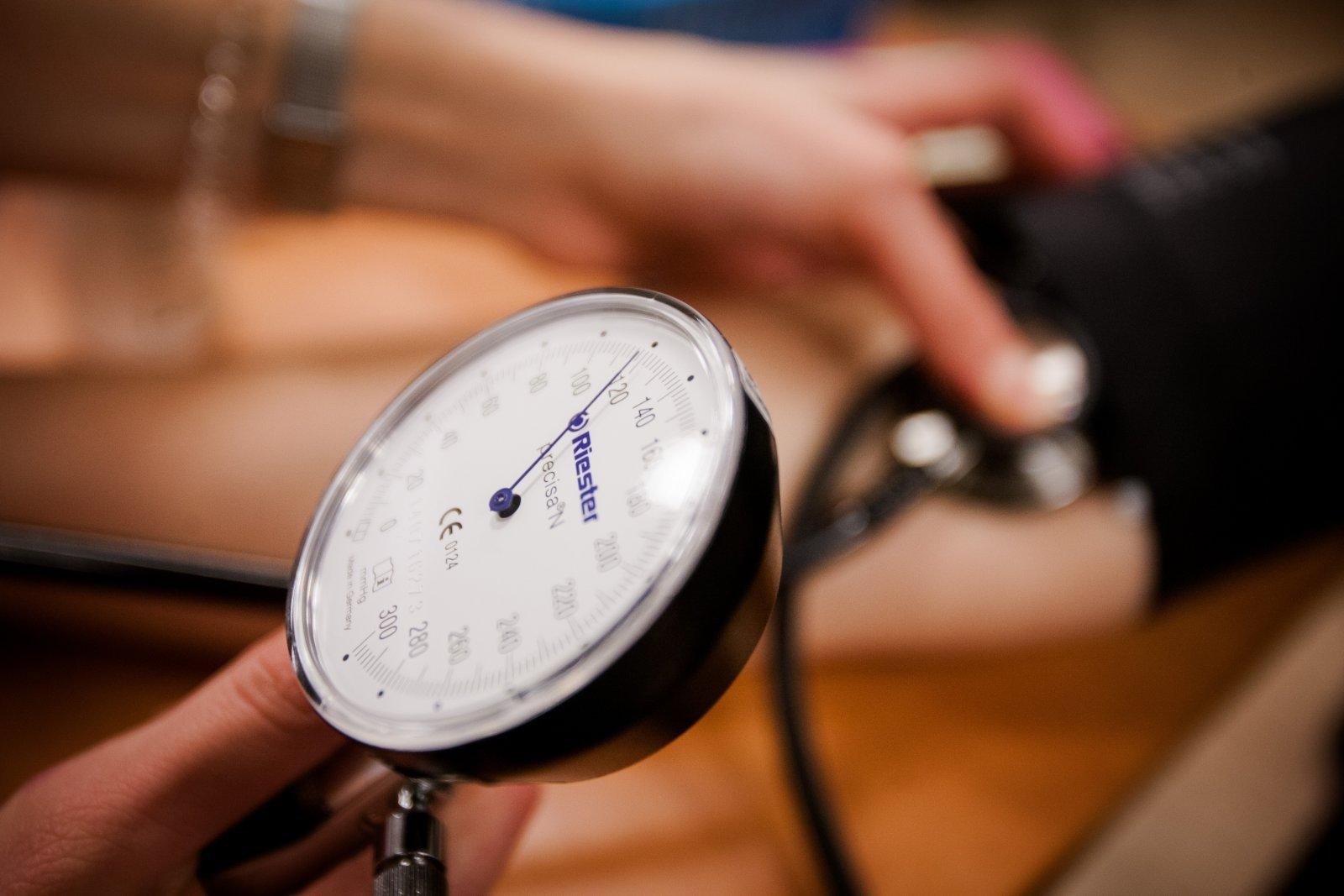 kaip stebėti kraujospūdį esant hipertenzijai