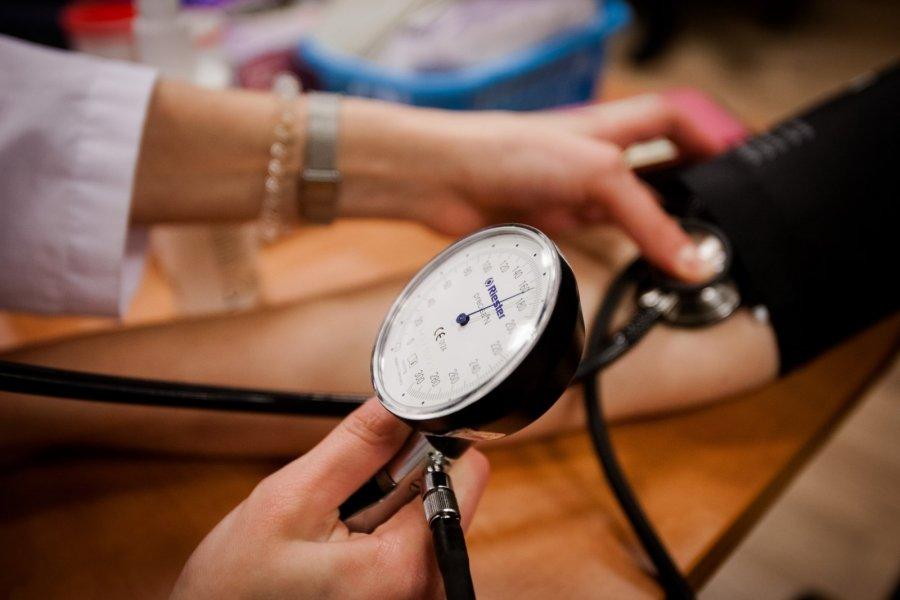 padidėjusi kraujospūdžio hipertenzija)