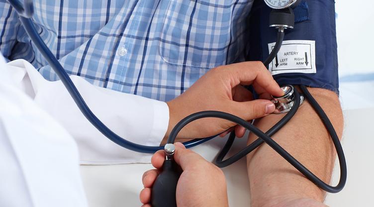 hipertenzija 150 hipertenzijos dietos pavadinimas