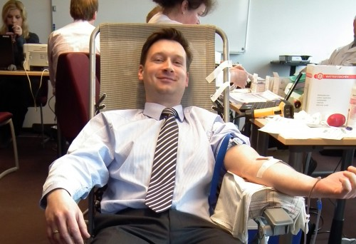 hipertenzija davė kraujo)