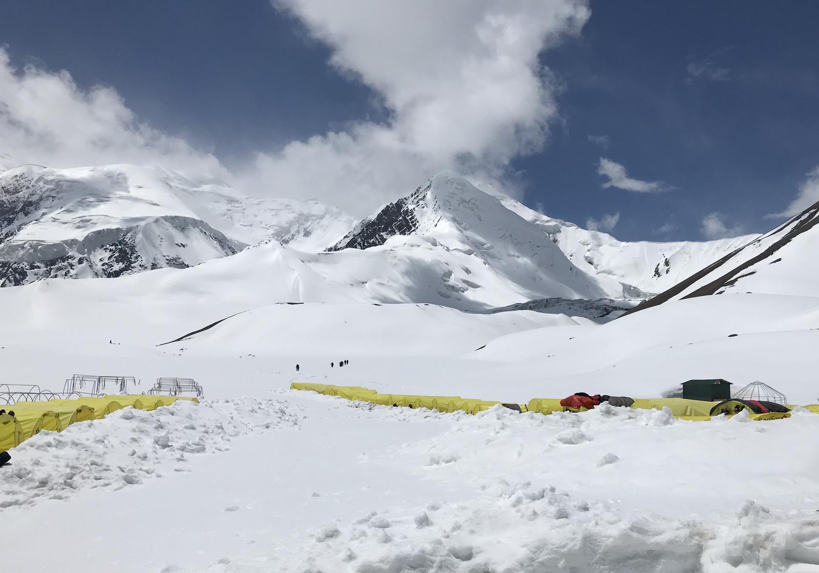 Koks slėgis kalnuose yra aukštas ar žemas?