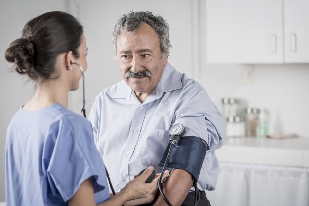 """Renovaskulinės hipertenzijos priežastys ir gydymas, skirtumai nuo """"paprasto"""" - Distonija November"""