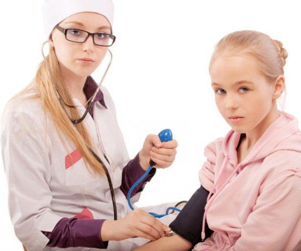hipertenzija ir parazitai inkstų patikrinimas dėl hipertenzijos
