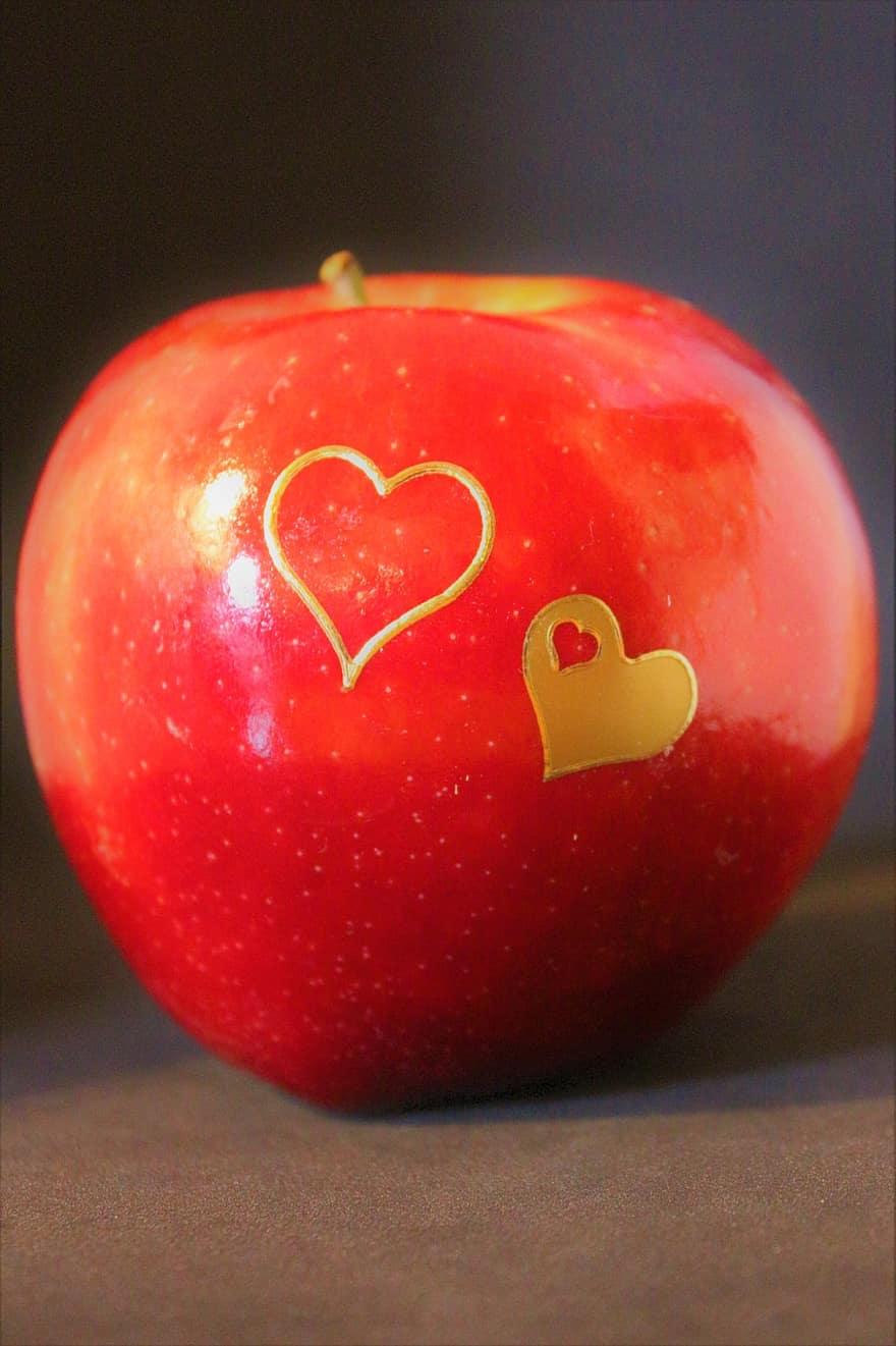 valgykite raudoną širdies sveikatai)