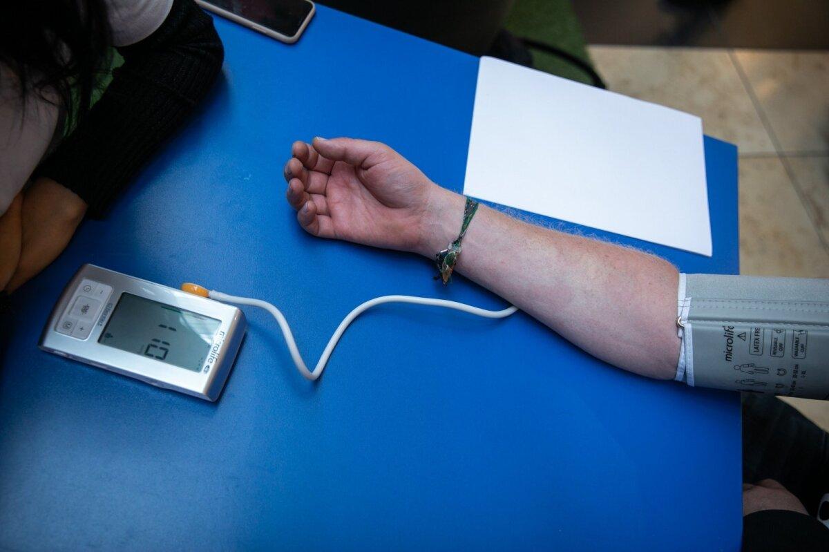 hipertenzija kaip pagrindinė insulto priežastis)