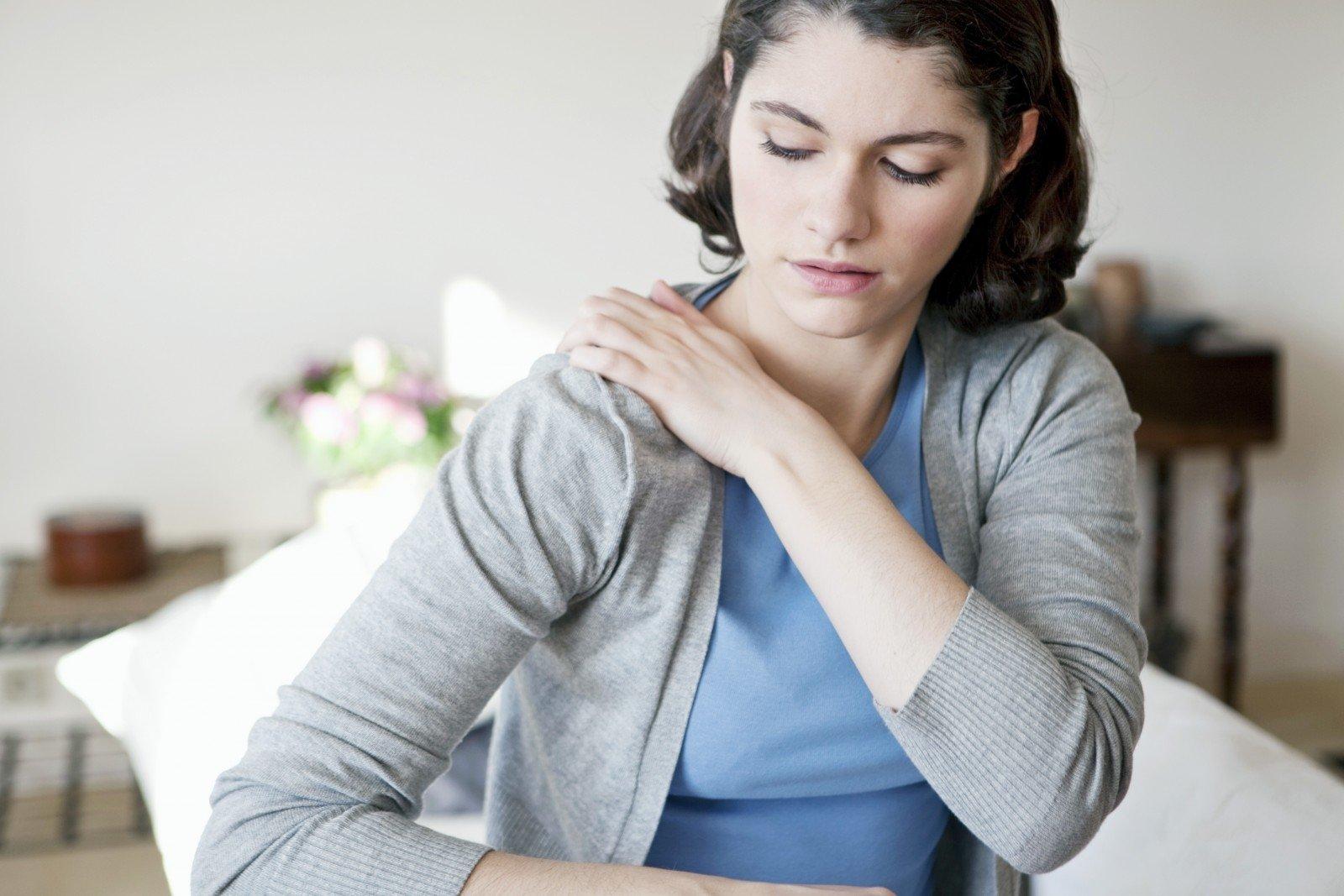 hipertenzijos skausmas kairiajame petyje Kaip gydoma 2 laipsnio hipertenzija?