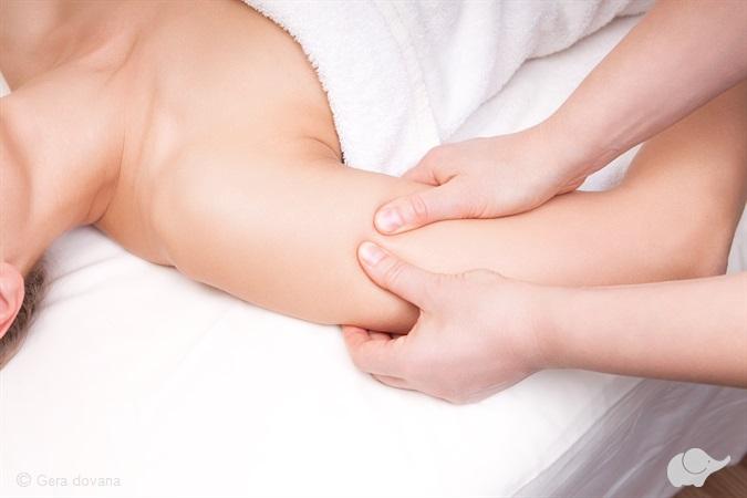 rankų masažas sergant hipertenzija hipertenzijos druskos vonios, skirtos